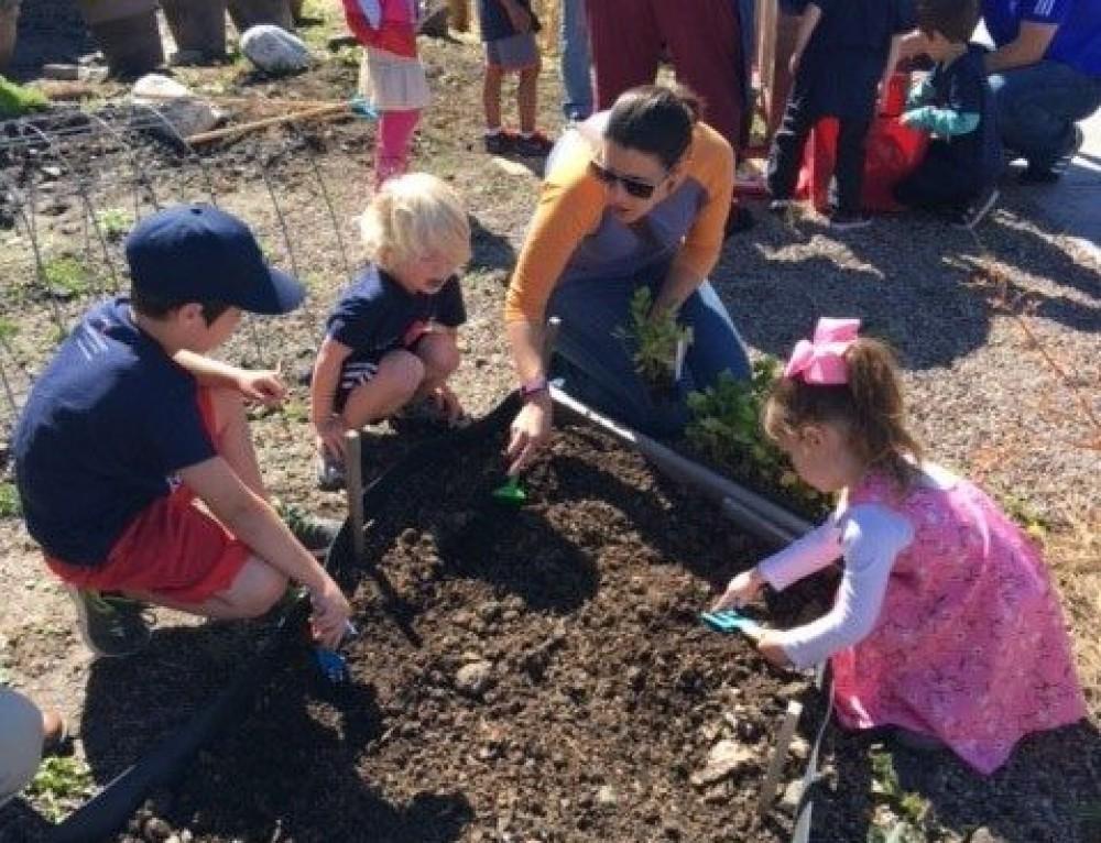 Family Gardening Class