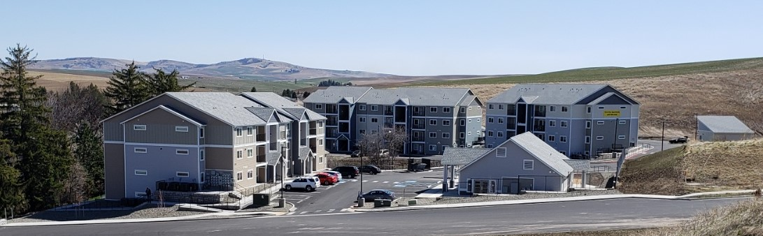 apartment complex on the palouse hills